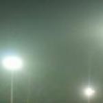 Treningi przy światłach na bocznym boisku