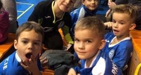 """Złoty medal w """"Festiwalu Piłki Nożnej Kinder Cup 2012"""" w Grodzisku Maz.  /12-01-2019 r./"""