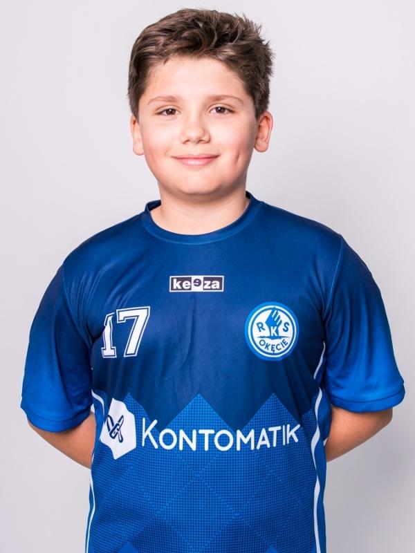 17. Ismail Omar