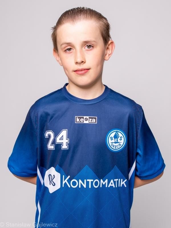 24. Edward Szustal