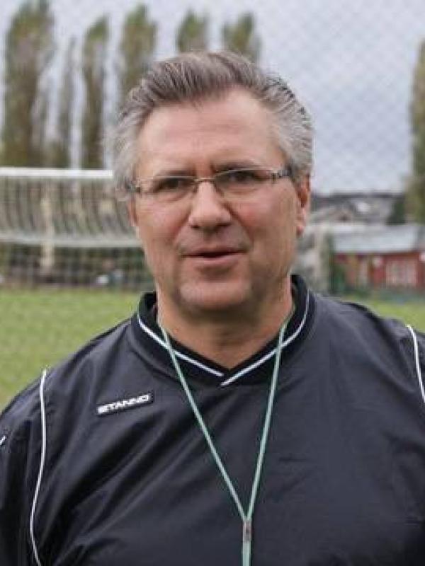 Arnold Mikina